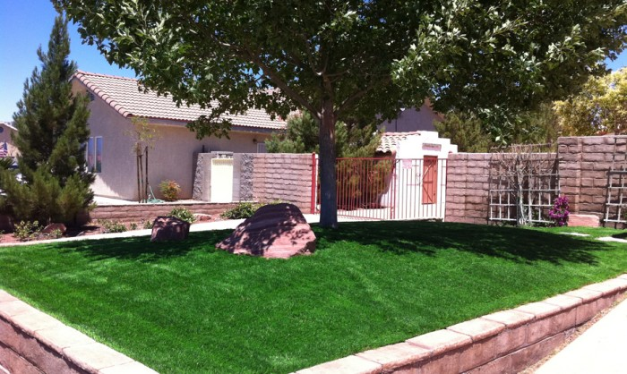 Synthetic Grass for Landscape Lawns Washington